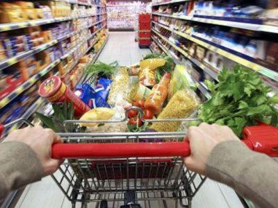 Istat, l'impatto del Covid: nel 2020 spesa media mensile in calo del 9%