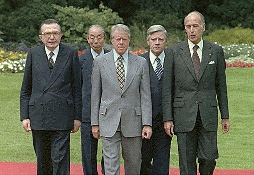 Da sinistra Giulio Andreotti, Takeo Fukuda, Jimmy Carter, Helmut Schmidt e Valéry Giscard d'Estaing all'incontro del G7 a Bonn 1978 (Wikipedia)