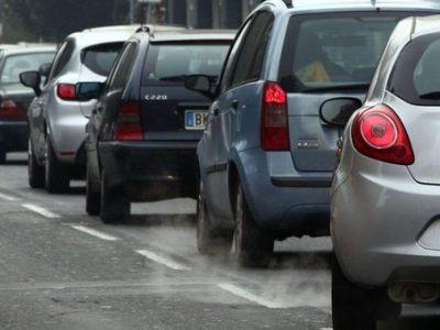 Torino, da lunedì 4 gennaio stop a tutti i veicoli con omologazione euro 4 diesel