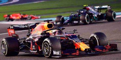 F1, Max Verstappen chiude con il botto la stagione 2020, malissimo le Ferrari