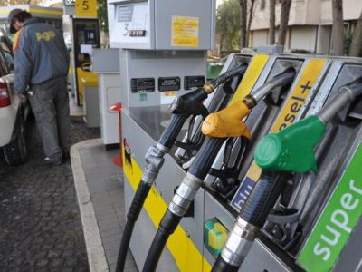 Benzina, da sette anni mai un prezzo così alto