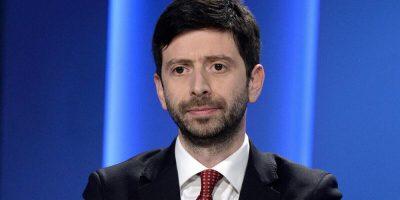 """Speranza: """"Bisogna fidarsi della scienza. Non illudiamo gli italiani"""""""