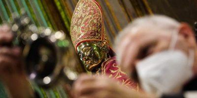 Napoli in festa: si è sciolto il sangue di San Gennaro