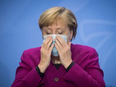 Merkel chiede fermezza e misure dure contro la mutazione del virus