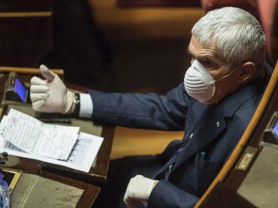 """Casini: """"Consiglio a Conte di salire al Quirinale e rassegnare le dimissioni"""""""