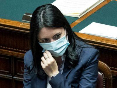 """Il ministro Azzolina: """"Capisco i ragazzi, il diritto all'istruzione è essenziale"""""""