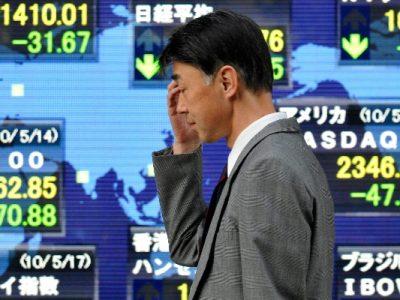 Borsa di Tokyo, balzo indietro in attesa del mercato cinese