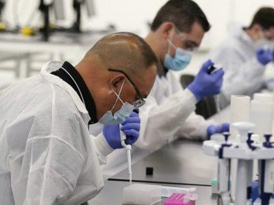 """Vaccino, la Ue avverte: """"Il problema non è il volume degli ordini ma la produttività"""""""