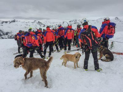 Valanga travolge scialpinista: ferito ed in principio di ipotermia è stato recuperato