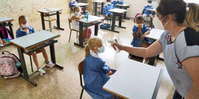 Riapertura scuole post Pasqua: servirà il tampone e chi lo farà?