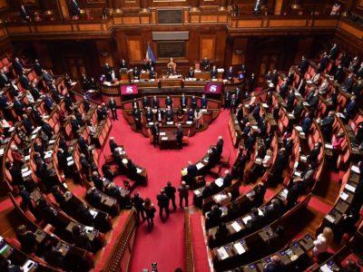 Crisi di governo, Conte incassa la fiducia anche al Senato grazie a 156 voti