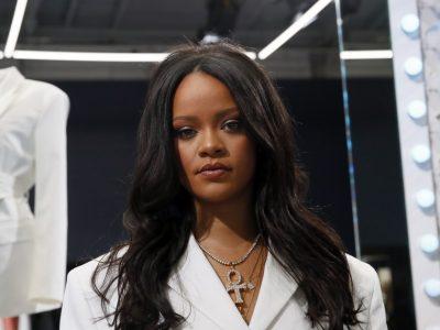 Per il lancio di una linea di lingerie Rihanna offende la religione indù: è polemica