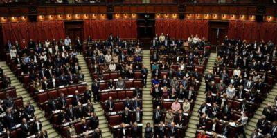 Draghi incassa la fiducia al Senato, 262 sì e 40 no: ora voto alla Camera
