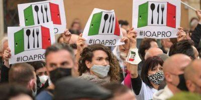 IO APRO: Scontro 'velato' tra Umberto Carriera e Selvaggia Lucarelli
