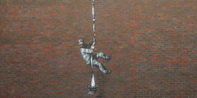 È di Banksy il murale apparso sul carcere di Reading
