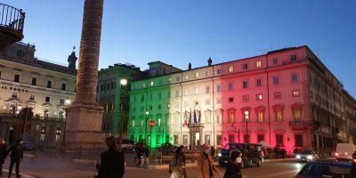 Covid, l'Italia si tinge sempre più di rosso: tutte le misure in arrivo