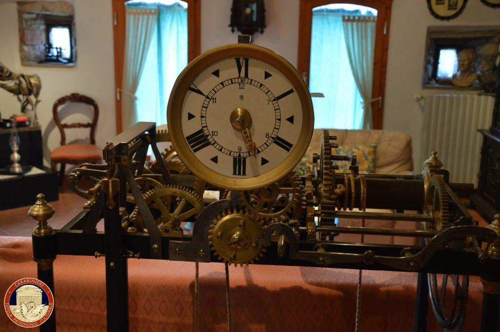 Opere d'arte: orologio a pendolo del Quirinale