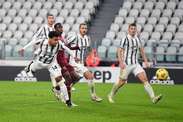 Il gol di Weston McKennie nel derby di andata tra Juventus e Torino