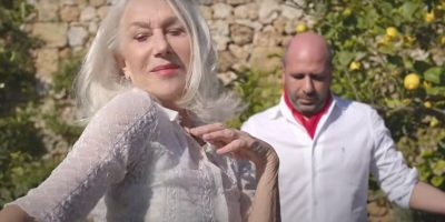 """""""La Vacinada"""", la nuova  canzone di Checco Zalone con Helen Mirren"""