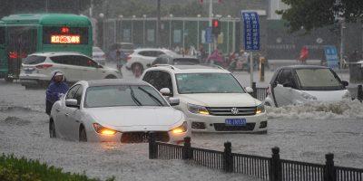 Gravi inondazioni in Cina: a Zhengzhou 12 morti annegati e 300mila evacuati