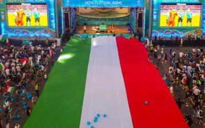 E' la domenica dell'Italia sportiva, con tennis e calcio