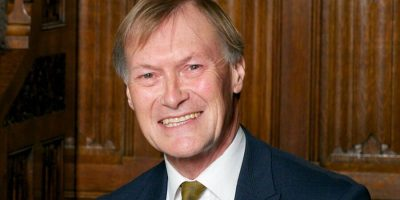 David Amess, il deputato britannico forse vittima di terrorismo
